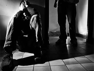 http://www.odysseynewsmagazine.net/wp-content/uploads/2011/11/Bullying-2.jpg
