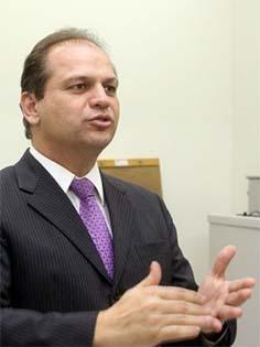 http://agenciaaids.com.br/home/noticias/noticia_detalhe/24840#.VzjzUlYrLcv