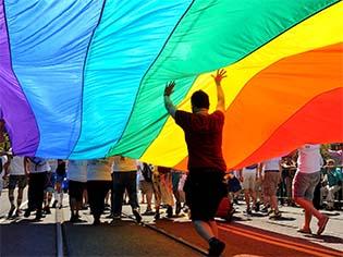 http://www.trbimg.com/img-52c74b4c/turbine/la-sci-sn-gay-youth-research-jokesters-2014010-001/2048/2048x1362