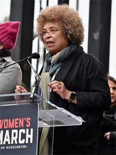 https://cronicasnabelavista.wordpress.com/2017/01/22/brevissimas-do-facebook-o-discurso-de-angela-davis-na-womens-march/