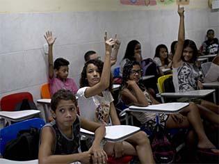 http://brasil.elpais.com/brasil/2017/04/17/opinion/1492435392_872941.html