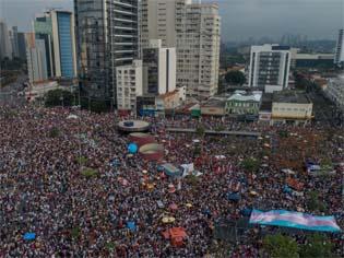 https://piaui.folha.uol.com.br/um-protesto-historico-menos-na-teve/?doing_wp_cron=1538302338.4310879707336425781250